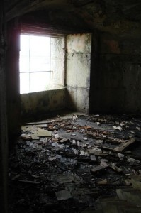 St-Catherines-Fort-052012-Inside-Gunroom4