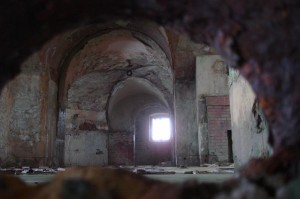 St-Catherines-Fort-052012-Inside-Gunroomthroughloop