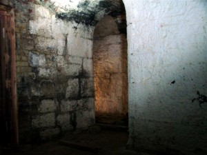 St-Catherines-Fort-052012-Inside-PowderCorridor2