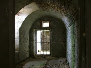 St-Catherines-Fort-052012-Inside-fireroom