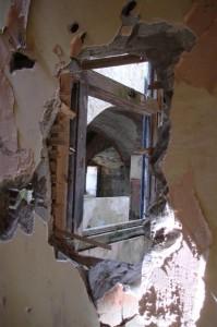 St-Catherines-Fort-052012-Inside-holeinwall