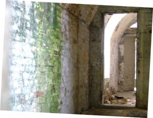 St-Catherines-Fort-052012-Inside-miscwallanddoor
