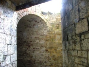 St-Catherines-Fort-052012-Inside-rcfirestep