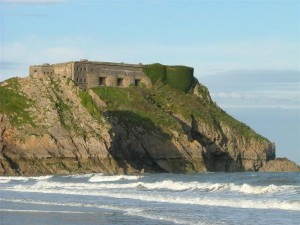 St-Catherines-Fort-052012-Outside-fortwithsea2
