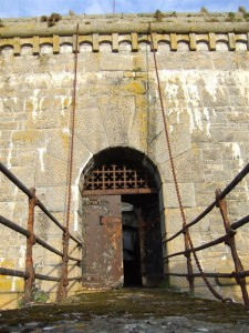 St-Catherines-Fort-052012-frontdoordetail45